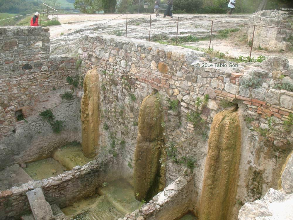 Bagno vignoni terme libere stabilimenti termali e visita - Bagno vignoni agriturismo ...