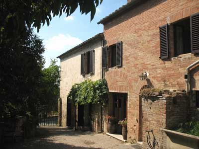 The Country House. Holiday accommodation in Tuscany, Siena